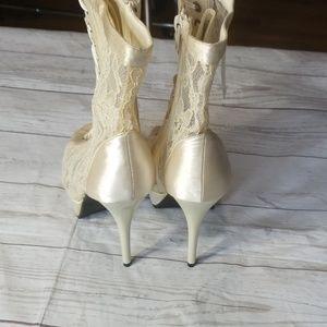 De Blossom Women/'s Mandy-35 Navy Lace Net See Through Peep Toe Heels
